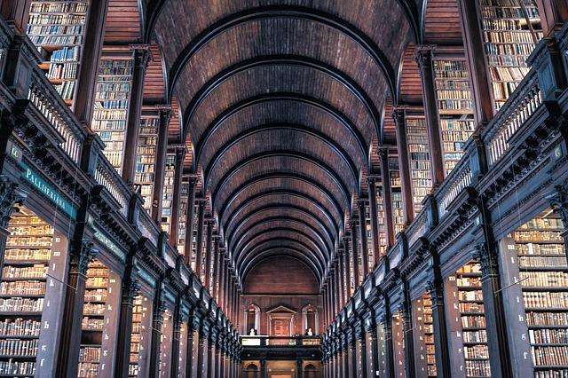lugares-magicos-irlanda-biblioteca-trinity-college
