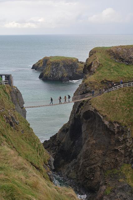 lugares-magicos-irlanda-puente-de-carrickarede